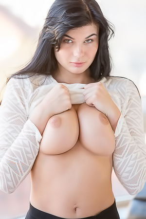 Lucy Li Natural Big Tits