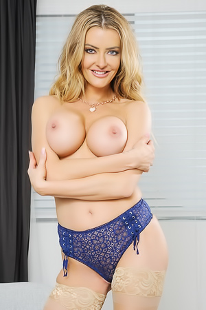 Linzee Ryder - Tasty Boobs Pictures